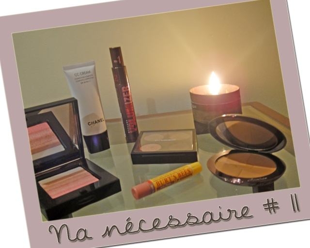 necessaire-chanel-cc-cream-Guerlain-Terracotta-Blondes-MAC-sombras-All-That-Glitters-Brun-Cork-Patina-Burts-Bees-Lip-Shimmer-Peony